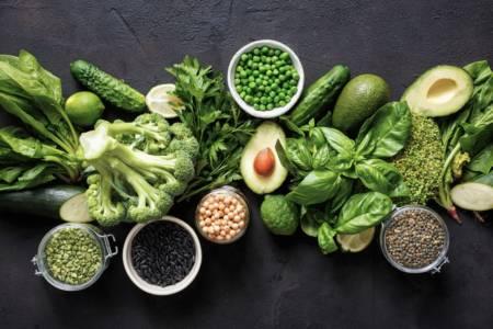 bild på antiinflammatoriska livsmedel - grönsaker, baljväxter med mera